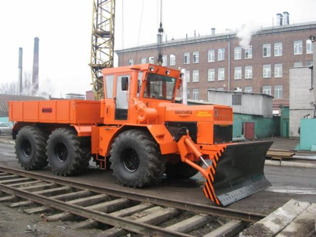 Kirovets trattori 36778