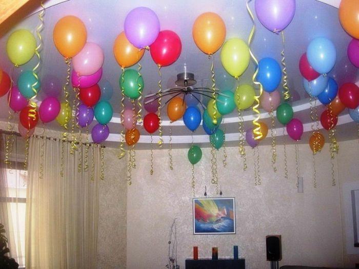 Как украсить дома воздушными шарами